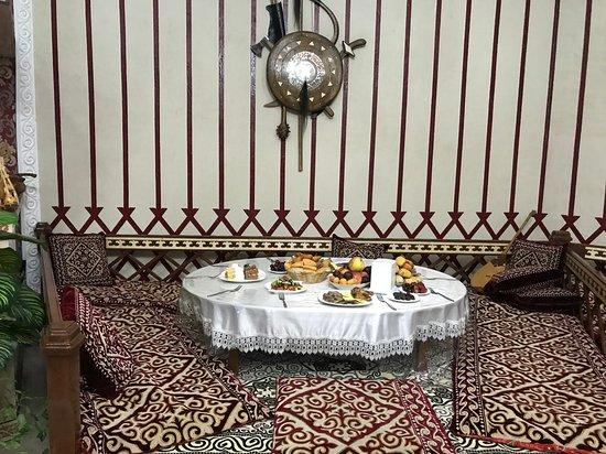Turkestan, Kazakistan: Тапчаны