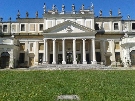 Villa Barbarigo, Lassotovich, Bacialli, Rendina