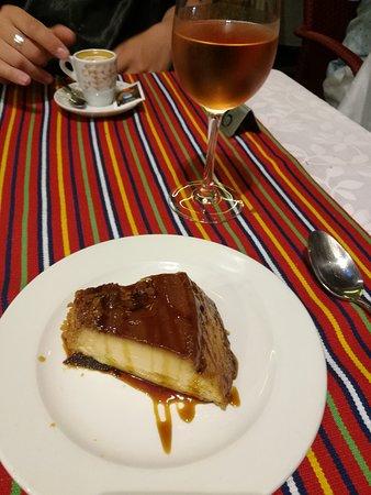 Tasca Literaria Dona Joana Rabo-de-Peixe: Caramel pudding, presentation not so nice, but taste so fine!