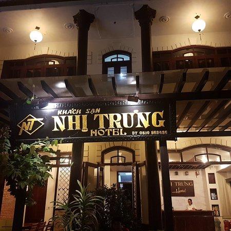 Nhi Trung Hotel: 20180812_202518_large.jpg