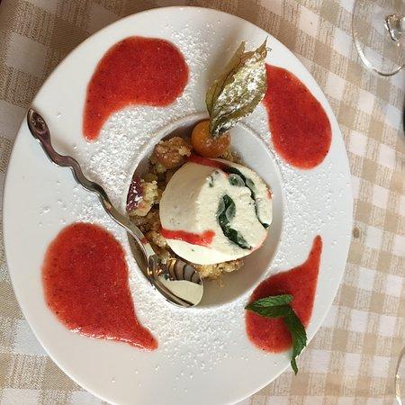 Цогно, Италия: photo0.jpg