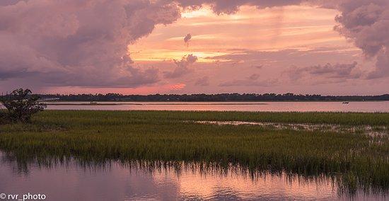Coastal South Carolina, SC: Lagunas y marismas que rodean la isla