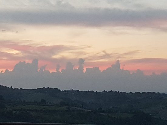 Montiano, Itálie: 20180811_203742_large.jpg