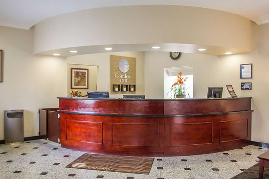 Hawthorne, CA: Hotel lobby