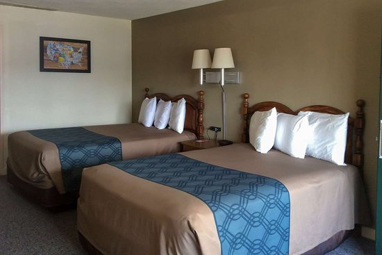 Econo Lodge: Guest room with double bed(s)