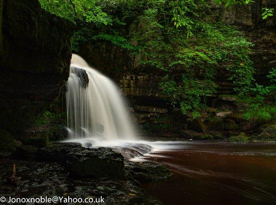 West Burton, UK: Falls