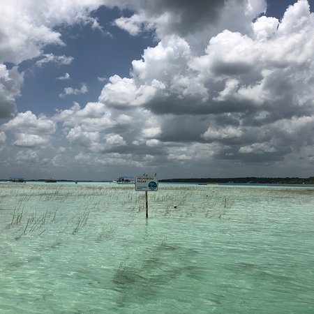 """Bacalar, Mexico's """"Lake of Seven Colors"""" 