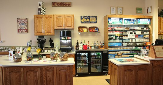 Markham, Илинойс: Dotty's Kitchen is Waiting for You!