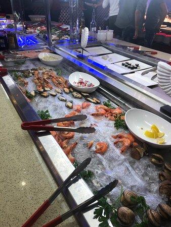 Thoiry, فرنسا: Buffet de fruits de mer