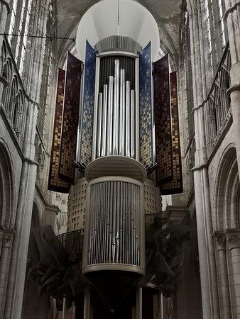 La cathédrale, véritable gloire du Moyen-âge chretien