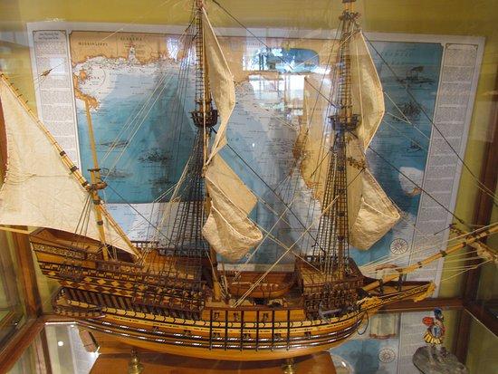 Iroquois, Canada: Ship Museum