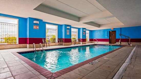 Best Western Plus Flowood Inn & Suites: Pool