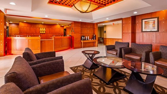 Best Western Plus Flowood Inn & Suites: Lobby