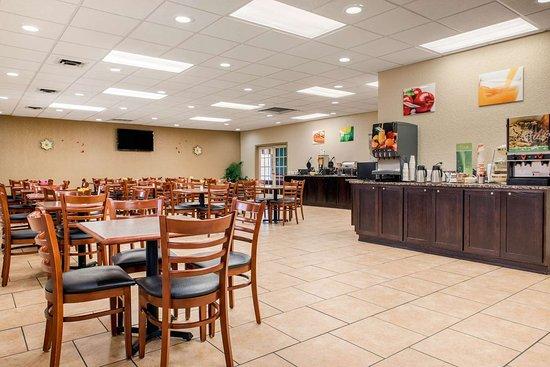 Huntingburg Photo Breakfast Area
