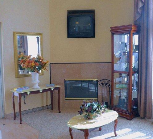 Pico Rivera, Калифорния: Lobby Seating Area