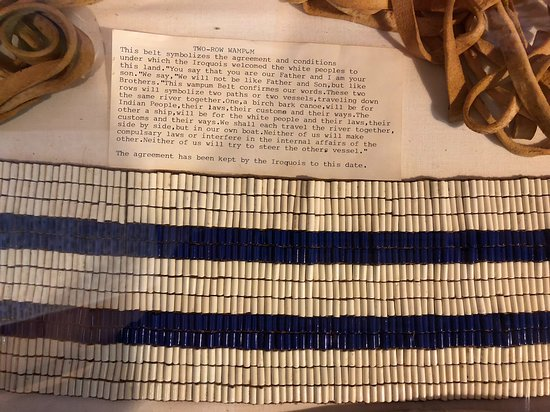 Vermontville, นิวยอร์ก: Replica of the Two Row Wampum belt, reflecting treaty with the Dutch in 1600's New York