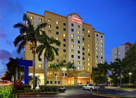 Hampton Inn & Suites by Hilton - Miami Airport / Blue Lagoon: Exterior