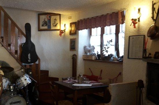 Moncenisio, Italia: Interno del ristorante