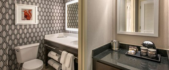 DoubleTree by Hilton Hotel Chicago Wood Dale - Elk Grove: Guest room