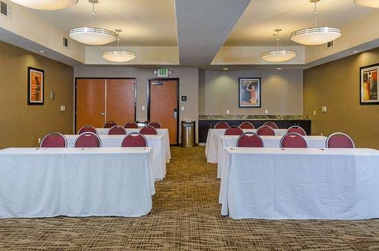 Turlock, CA: Meeting room