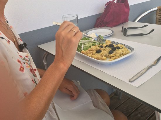 Salir, โปรตุเกส: Cod 🐟 Bacalau Dish of Day 👍🇵🇹😄 15/8/18