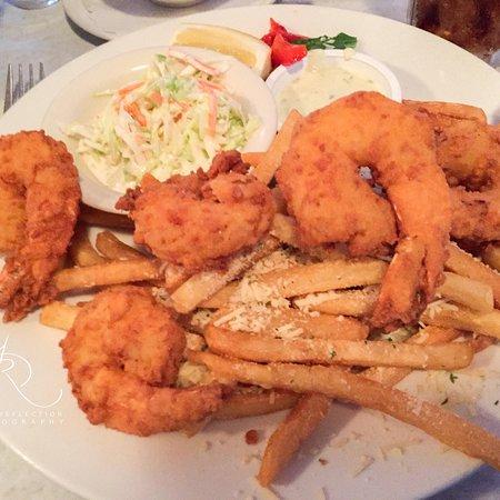 Oyster Company Raw Bar & Grill: photo2.jpg