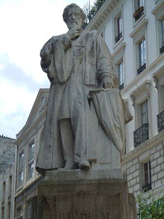 Statue D'Alfred Vulpian