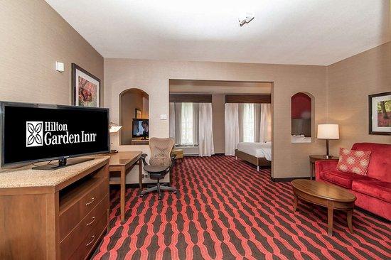 Preston, CT: Guest room