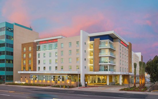 Hampton Inn & Suites LAX El Segundo