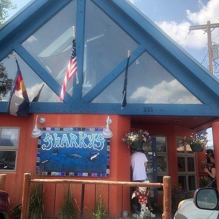 Sharky's Eatery张图片