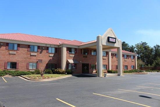 Barnesville, GA: Exterior View