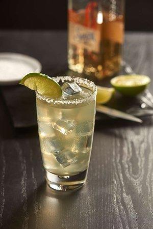 Utica, Мичиган: Bar Lounge