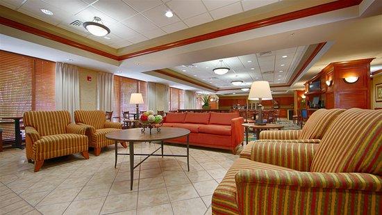 Best Western Plus Kendall Hotel & Suites: Lobby