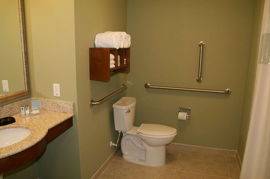 Advance, NC: Guest room