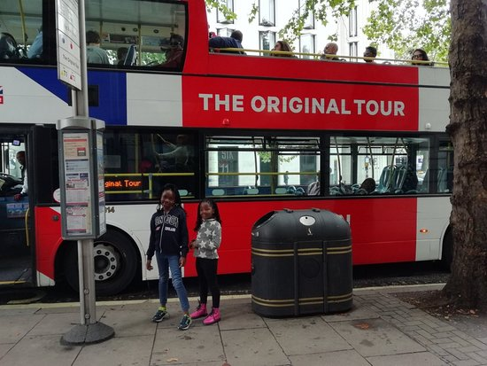 ‪‪The Original Tour Windsor‬: My family and I went on a tour. Excellent services and well articulated tour guides. My children‬
