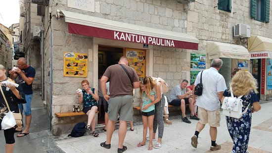 ‪‪Kantun Paulina‬: Over 50 years serving cevapcici‬