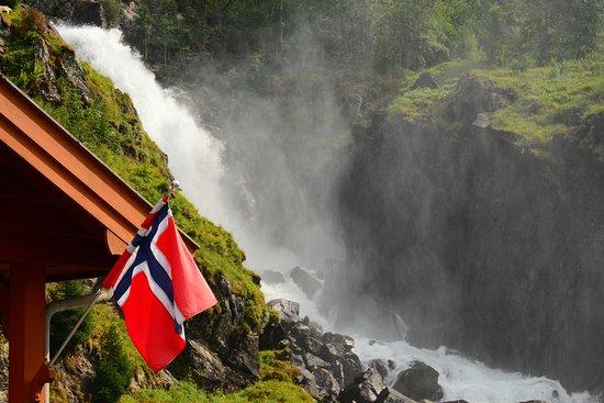 Skare, Noruega: Nature is Power