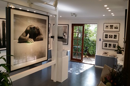 Leura, Australia: Ground floor of Light and Shadow Gallery