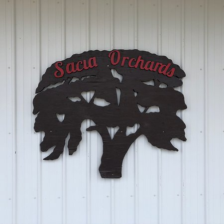Sacia Orchards Apple Stand