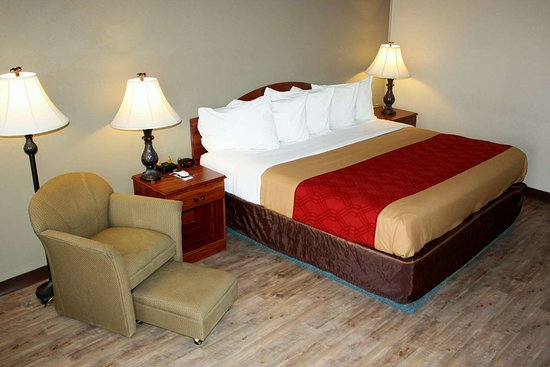 Salina, UT: Guest room with king bed(s)
