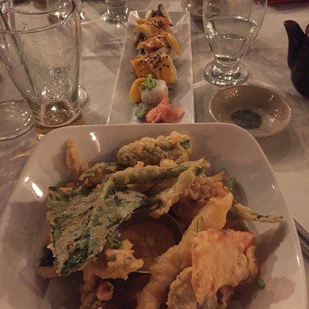 Naru Restaurant and Lounge: photo1.jpg