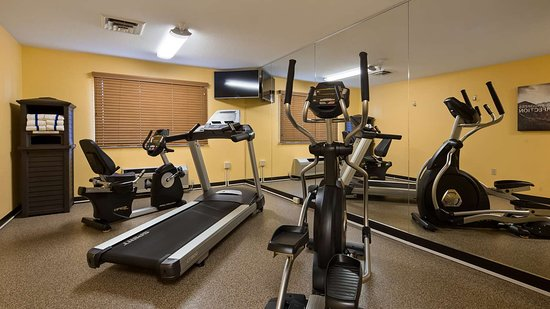 Flora, IL: fitness center