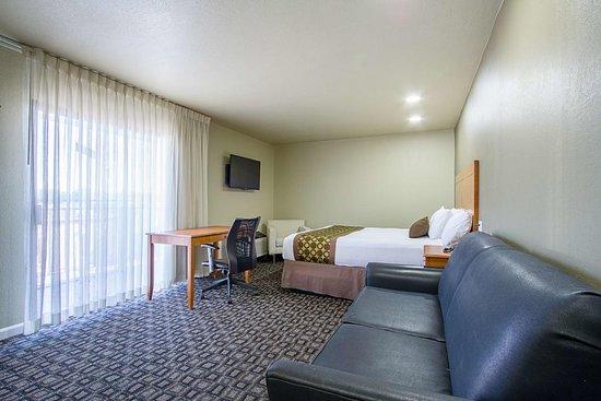 Pictures of Motel 6 Ukiah, CA - North - Ukiah Photos - Tripadvisor