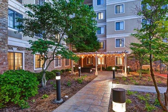 homewood suites by hilton aurora naperville hotel. Black Bedroom Furniture Sets. Home Design Ideas