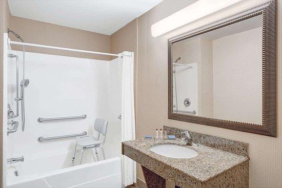 Fairburn, Geórgia: ADA Bathroom
