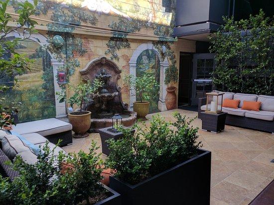Millbrae, Californien: Inner courtyard