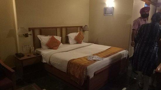 Hotel Raj Vilas Palace: IMG20180814194005_large.jpg