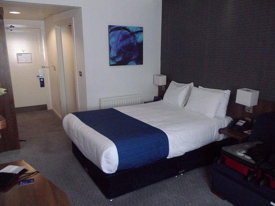 Holiday Inn Express Belfast City Queens Quarter Photo
