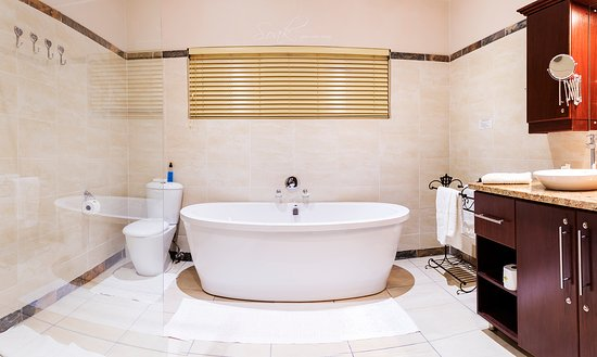 Margate Place Guest House: If you enjoy space ask for our executive suite