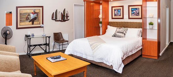 Margate Place Guest House: Our executive suite with parking directly off your room